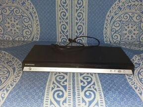 Лазерный видеопроигрователь Самсунг DVD-P375