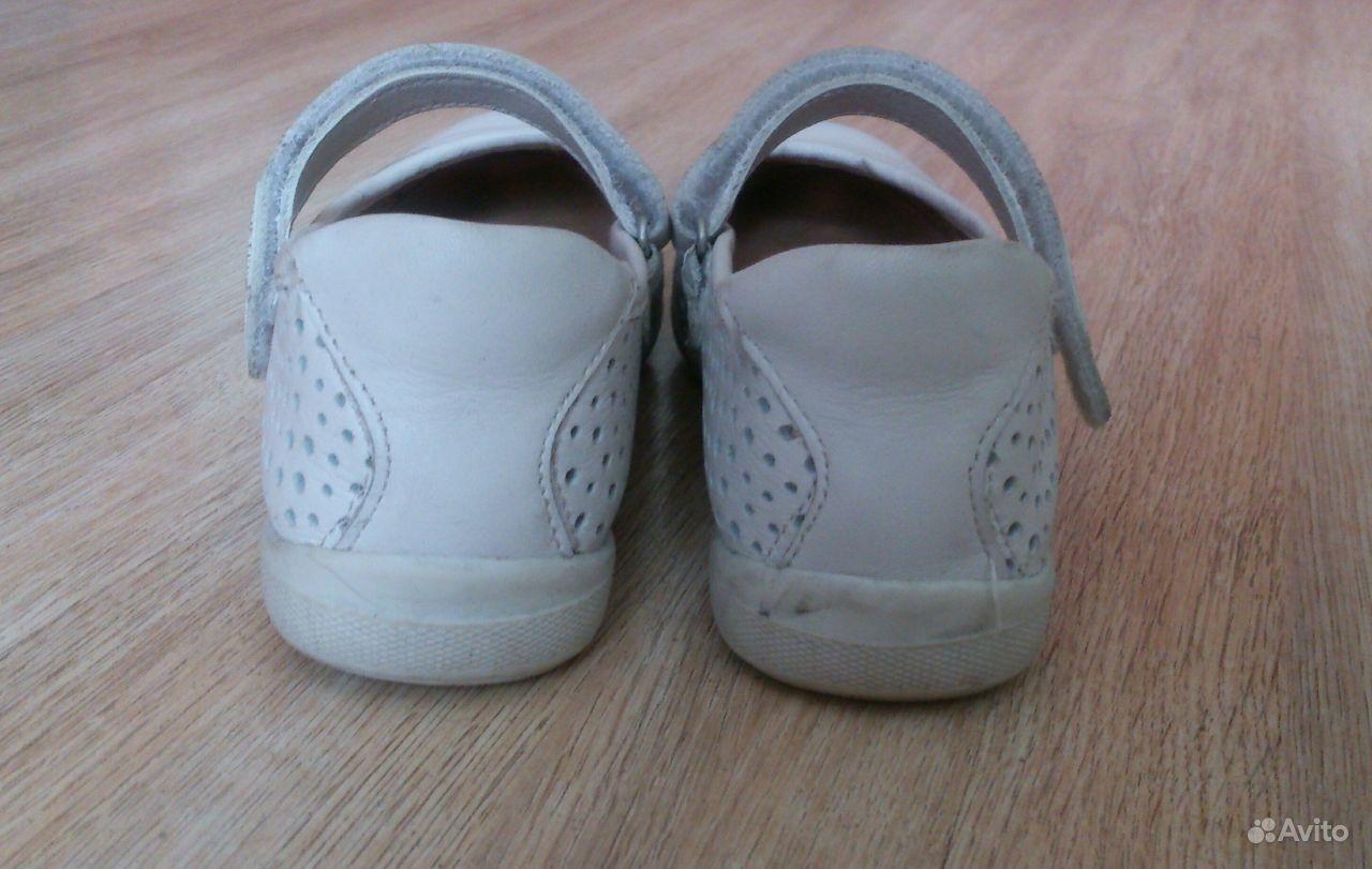 С какой обувью носить брюки чинос