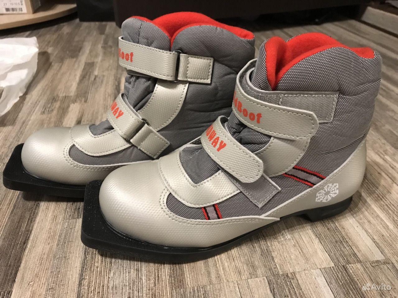 Смотреть Детские лыжные ботинки видео