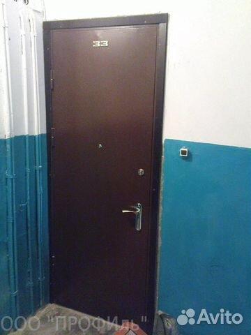 квартирная входная металлическая дверь