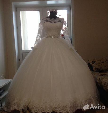 52c96574533 Свадебное платье с рукавами и длинным шлейфом
