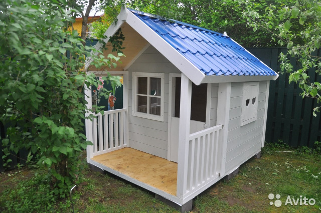 Домик для детей на даче из дерева фото