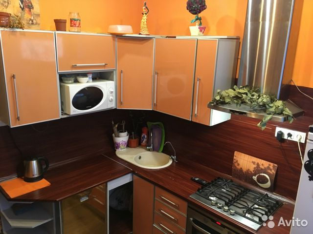 Продается двухкомнатная квартира за 2 480 000 рублей. Мурманск, улица Алексея Генералова, 3/20.