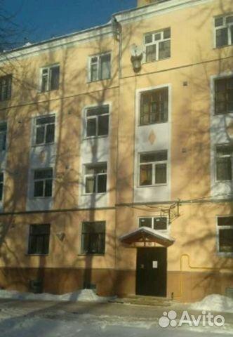 Продается трехкомнатная квартира за 1 850 000 рублей. улица Ермака, 9, подъезд 1.