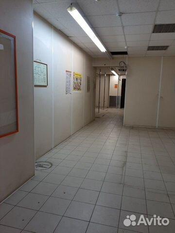 Торговое помещение, 417 м²