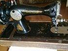 Ручная швейна машинка в рабочем состоянии