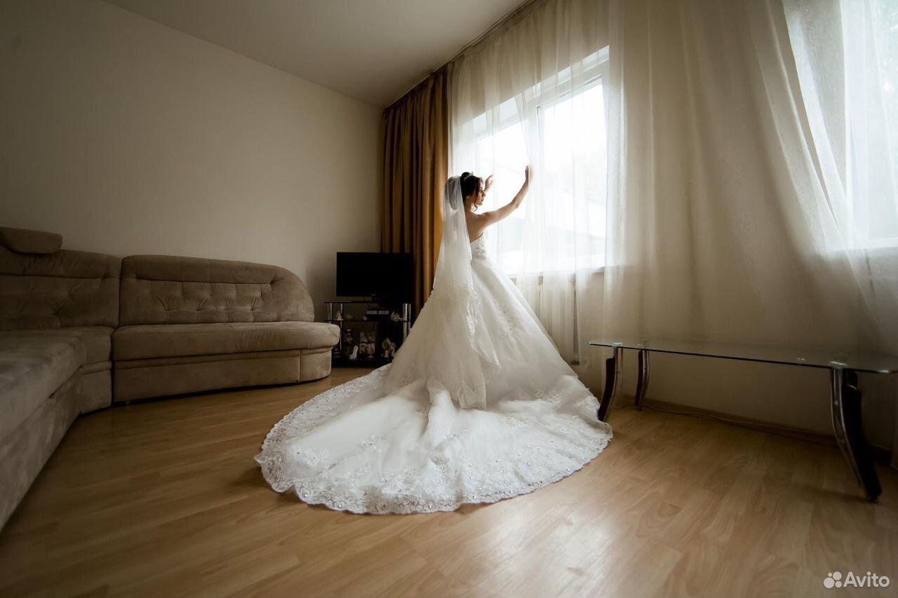 Свадебные платья 42-44 размера  89624337775 купить 2