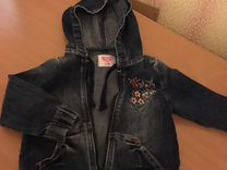 Джинсовый комбинезон и джинсовая куртка на девочку