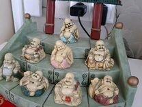 Коллекция буддийских фигурок с подставкой