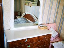 Будуарный столик, две прикроватные тумбочки
